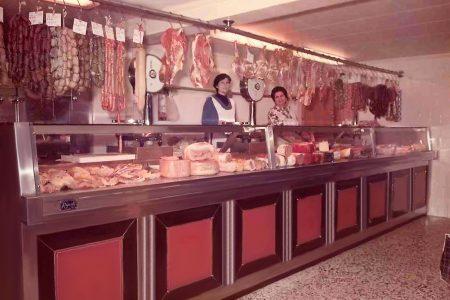1976 - Carniceria Mora
